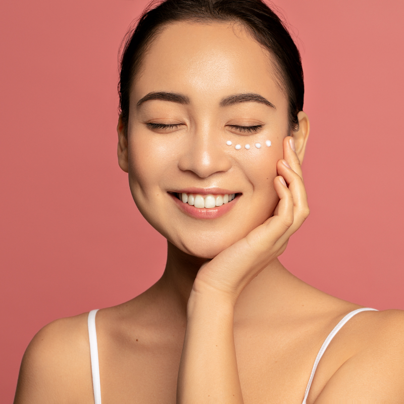 What are the uses of eye cream?