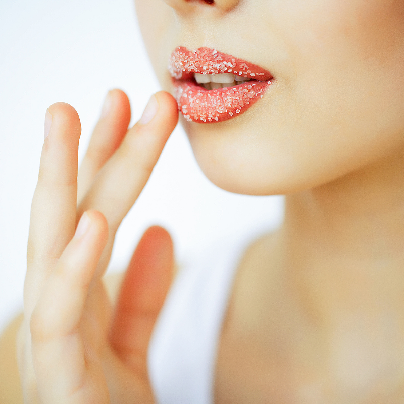 What are the advantages of lip scrubbing?
